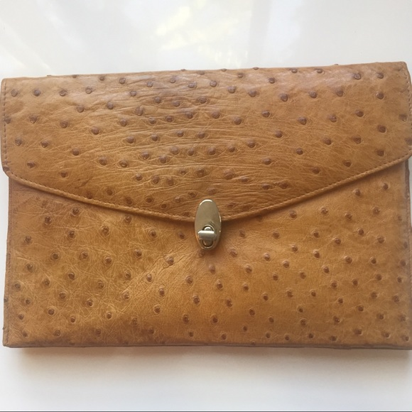 Handbags - Vintage 70s tan ostrich clutch